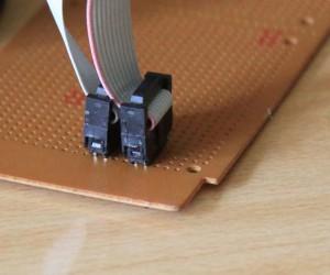 Konektor IDC bersebelahan