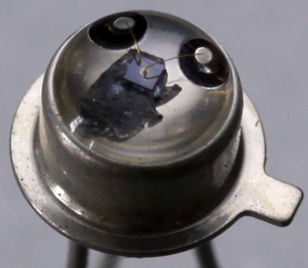 Close up phototransistor MAL100