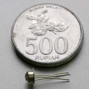 MAL100 dibandingkan dengan koin Rp 500
