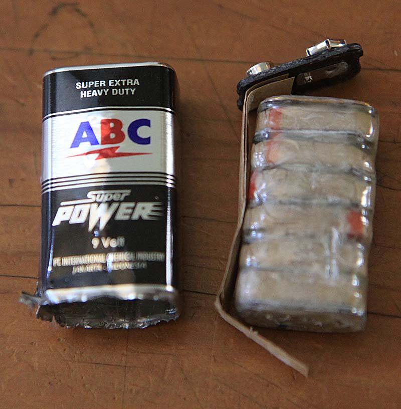 Membongkar batere 9 volt