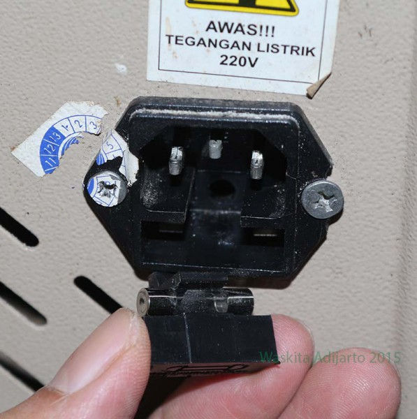 Sambungan listrik mesin sealer otomatis