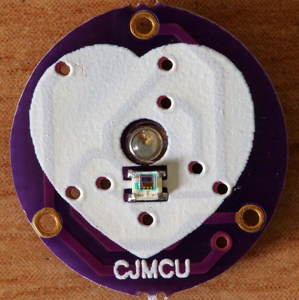 Rangkaian bagian depan sensor detak jantung