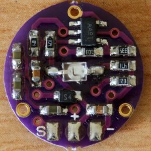 Rangkaian bagian belakang sensor detak jantung