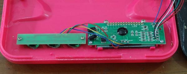 Bagian tombol dan displya LCD