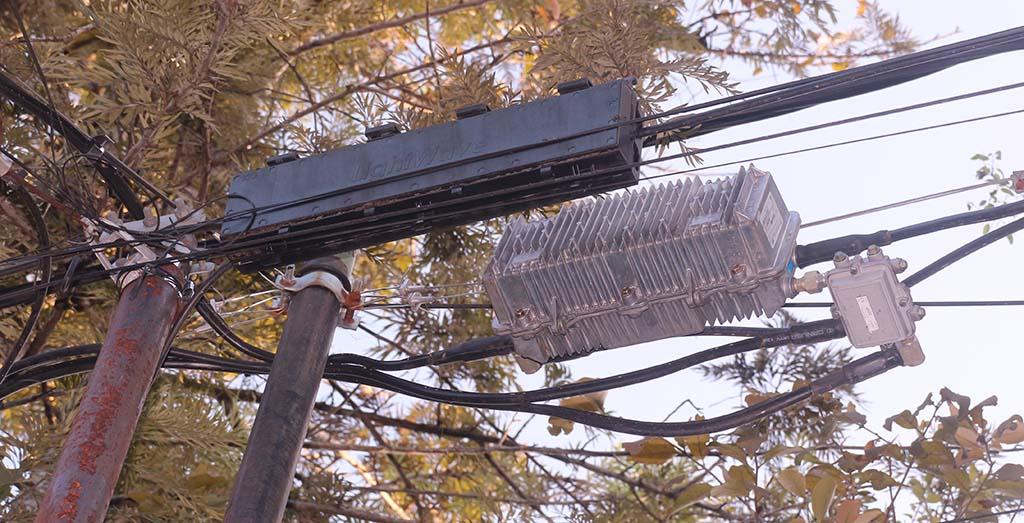 kabel fiber optik dan koaksial untuk internet rumah