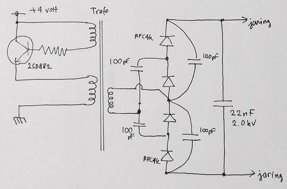 Skema rangkaian penaik tegangan