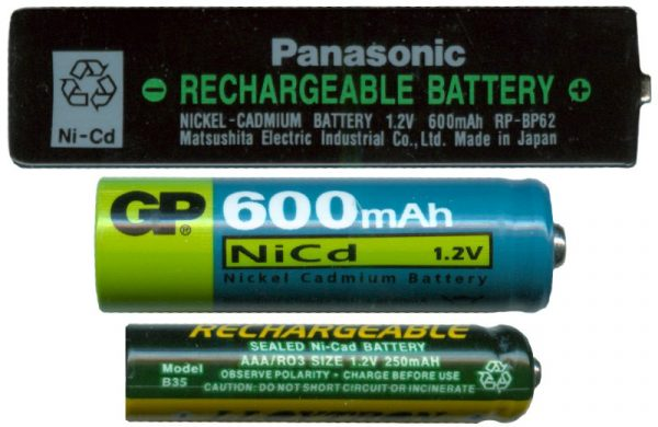 Baterai NiCD dengan ukuran Gumstick, AA dan AAA