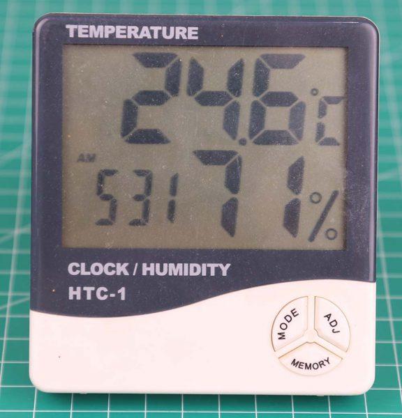 Termometer elektronik HTC-1 pengukur kelembaban dan temperatur tampak depan