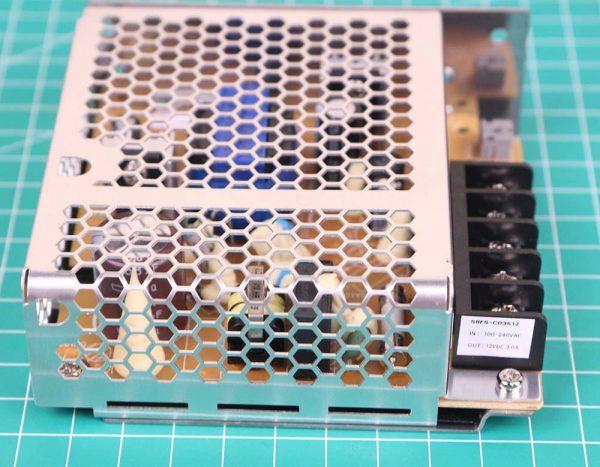 Power Supply Omron S8FS-C03512 tampak samping