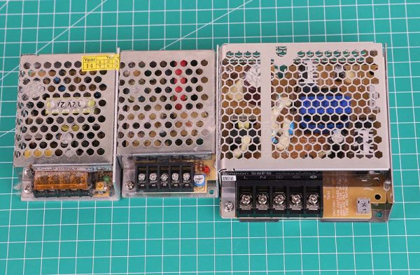 Perbandingan power supply omron dengan power supply lainvolt