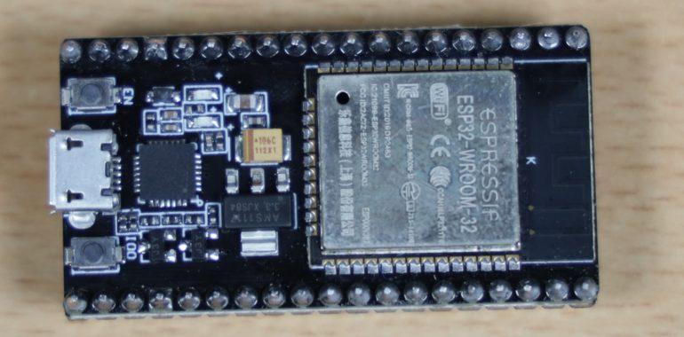 ESP32 DevkitC Clone tampak atas